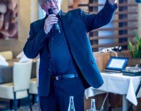 Michael Kocáb (76)