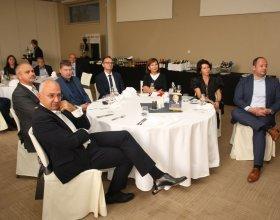 """Kulatý stůl """"Doporučení budoucímu premiérovi"""" (6)"""